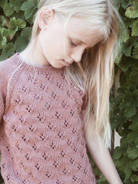 Rigmors Sommerbluse (oppskrift) | Strikkehula.no, garn og
